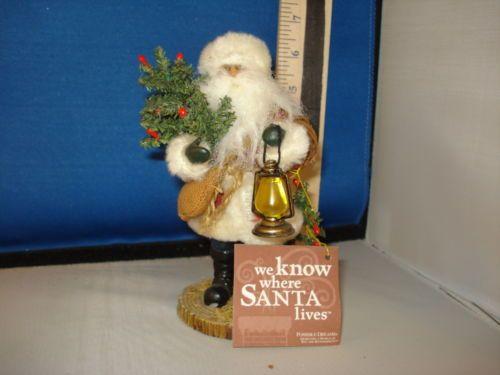 Santa-Figurine-Woodland-Santa-with-Lantern-wood-faux-fur-resin-25481-524