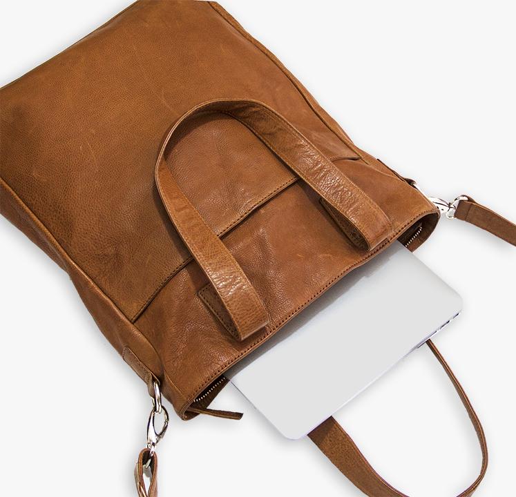 39083e492f54 Moderne skuldertaske shopper i brun cognac læder til kvinder Stilrent og  klassisk dansk design God rummelighed