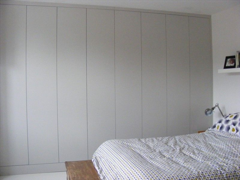 featurless wardrobe in farrow and ball blackened home. Black Bedroom Furniture Sets. Home Design Ideas