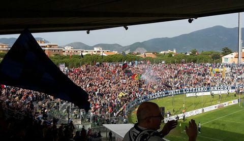 #LegaPro. #Pisa-#Spal: 2-1 #Peralta e #Mannini firmano la rimonta nerazzurra in un'#ArenaGaribaldi gremita @AcPisa1909 #commento #tabellino