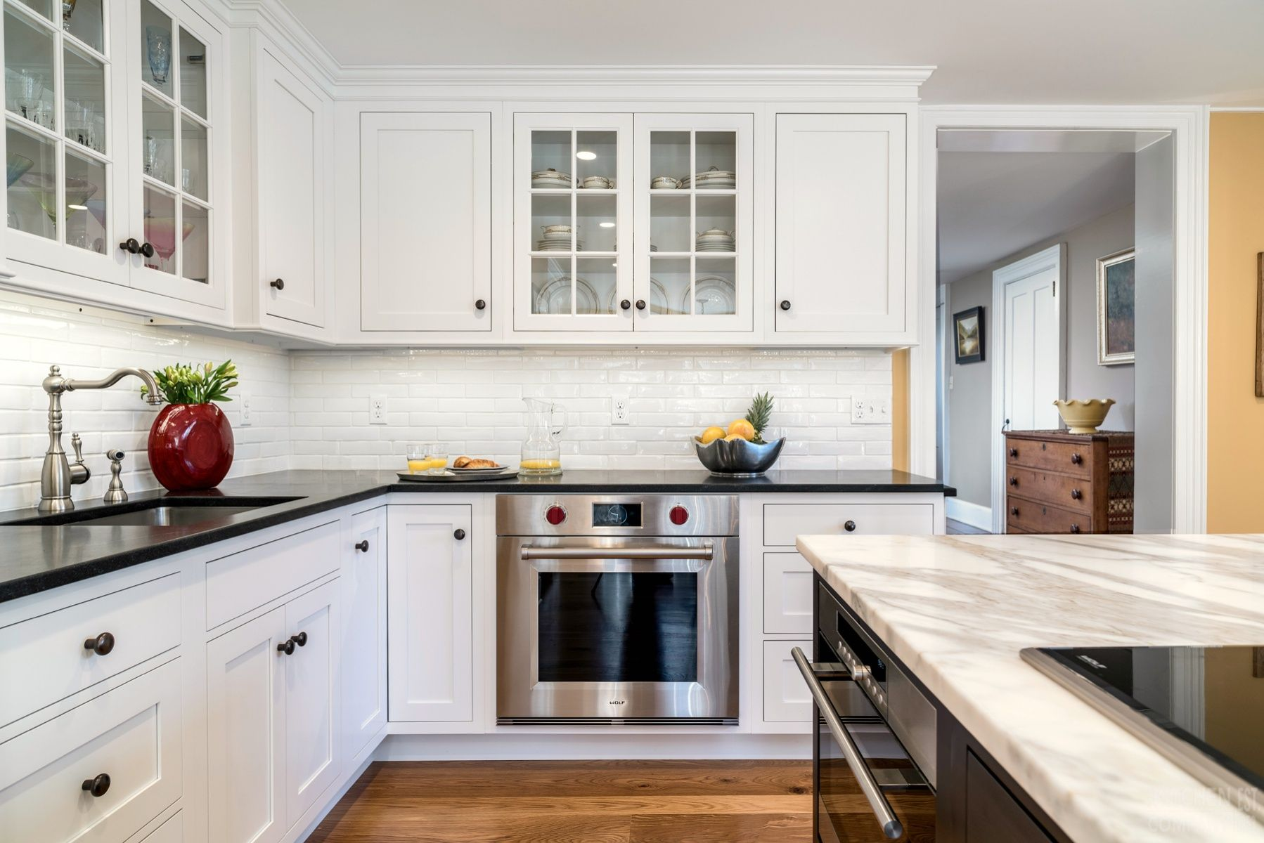 Traditional Farmhouse Kitchen in Madison, CT   Kitchen Photo Gallery ...