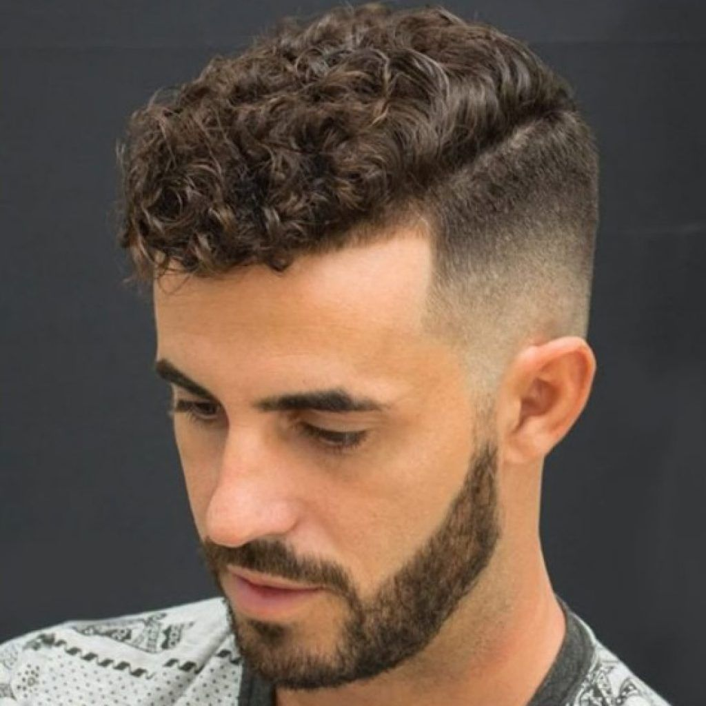 Short curly haircut for men short curly hairstyles for men  cabelo in   pinterest  curly
