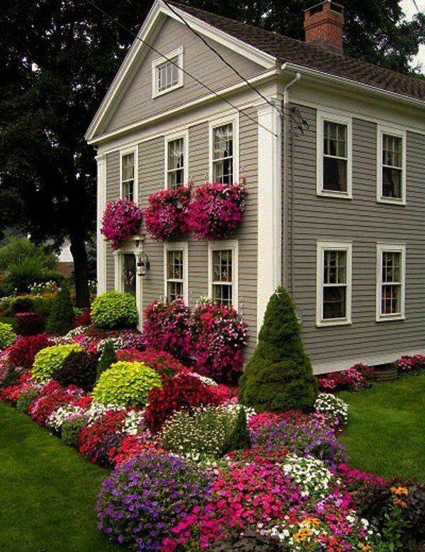 Takie Kompozycje Kwiatowe Do Ogrodu Zrobia Na Tobie I Na Twoich Znajomych Wrazenie Beautiful Gardens Front Yard Landscaping Garden Design
