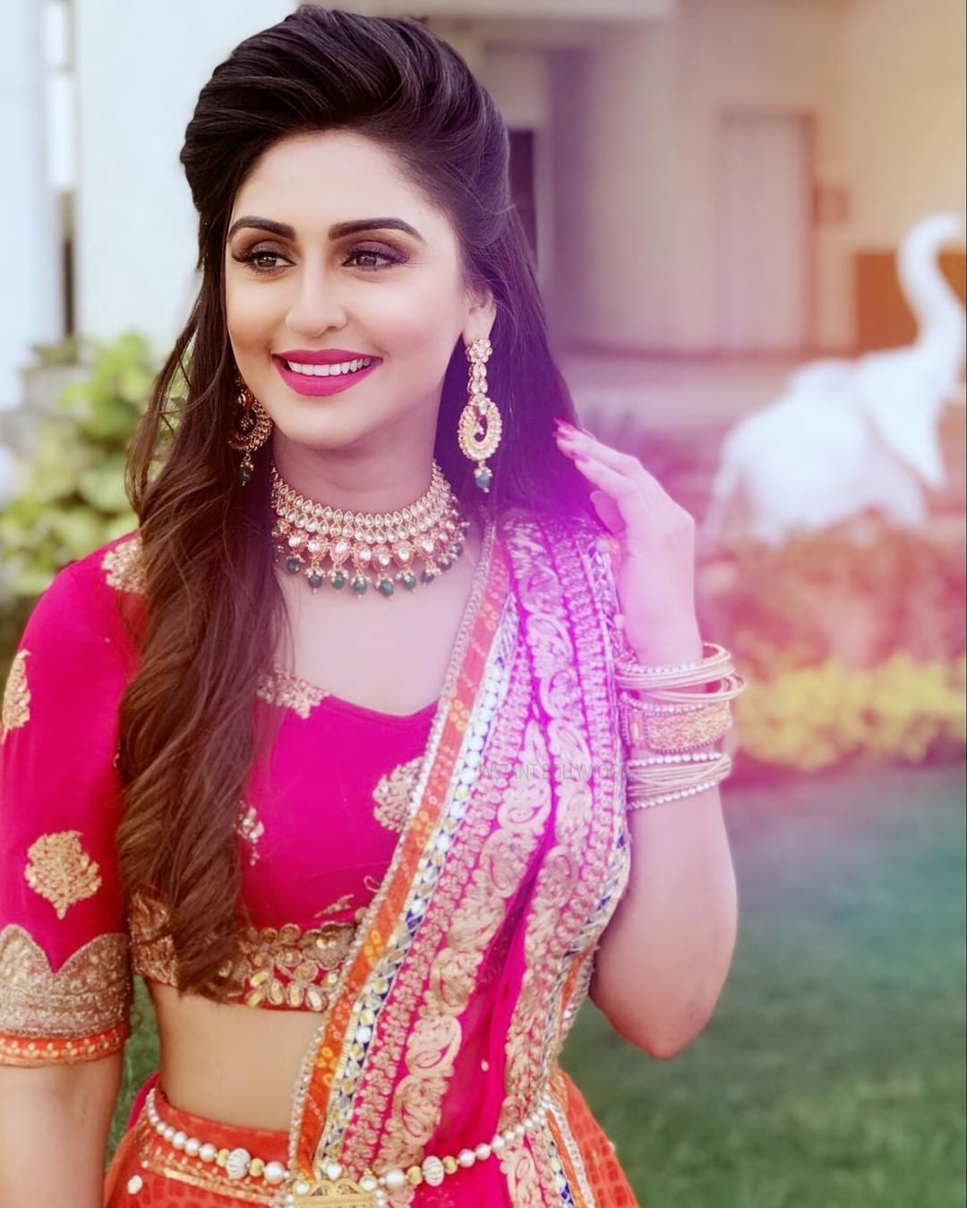 omg! krystle d'souza is looking so pretty in this indian look. she