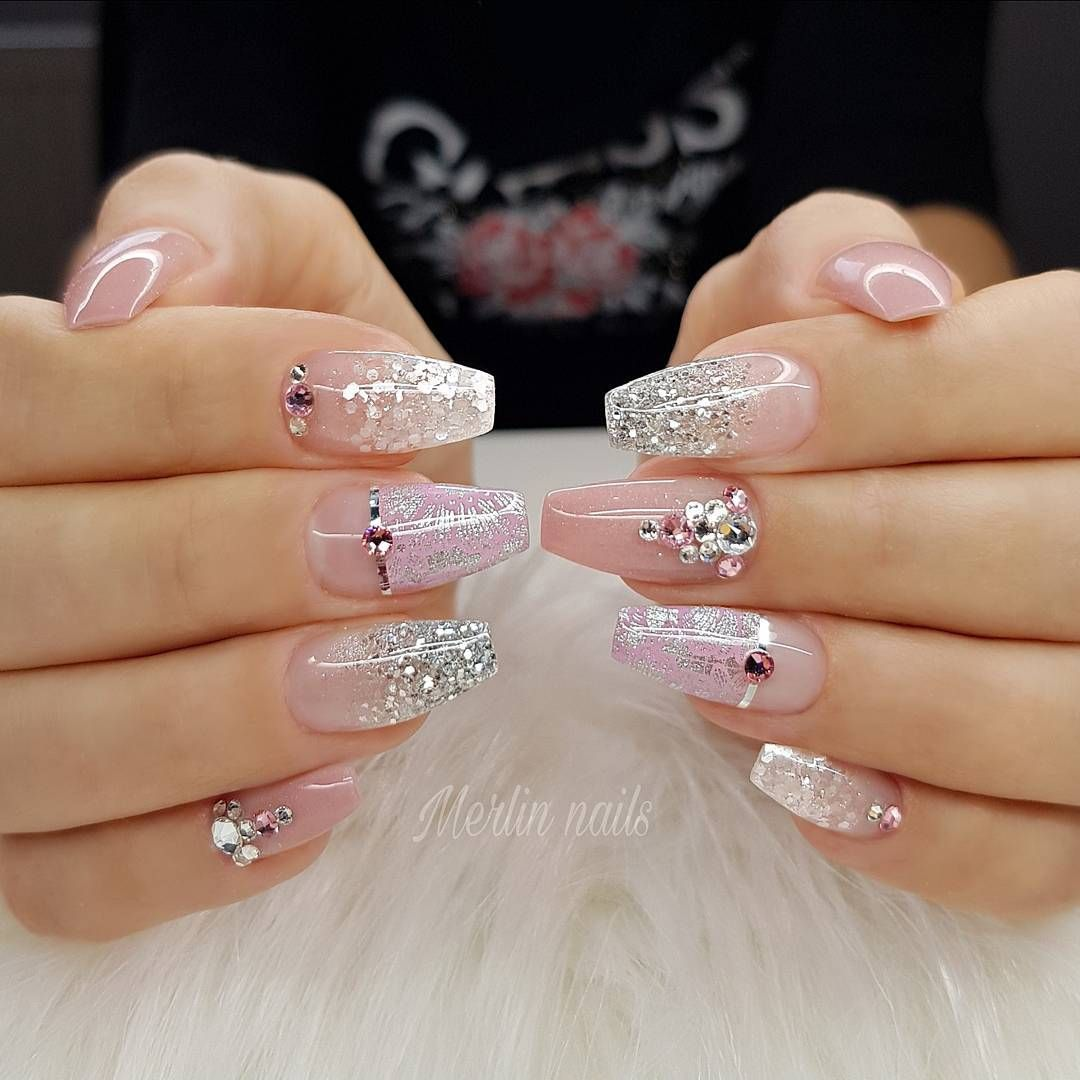 This Romantic Design Has Become Popular Obuka Edukacja Novisad Beograd Gel Gel Bridal Nails Designs Wedding Nail Art Design Nail Art Wedding