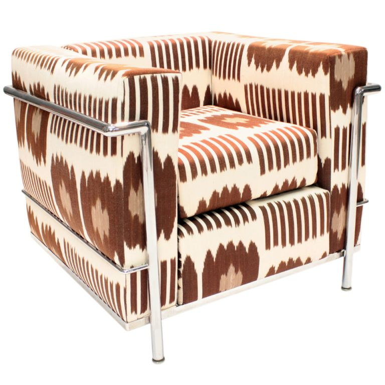 Le Corbusier Lc2 Armchair Reupholstered By Madeline Weinrib In Brown Collins Fab 1stdibs Com Reupholster Armchair Le Corbusier