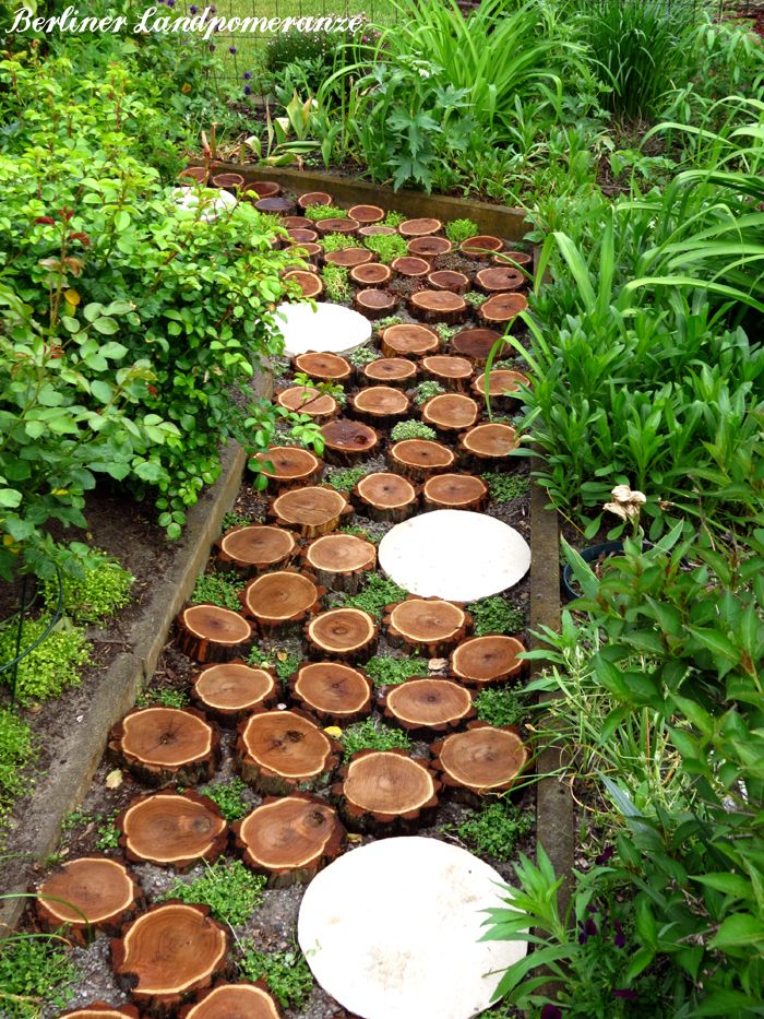 tree log path gartenpfad aus baumscheiben inspiration garden paths pinterest baumscheiben. Black Bedroom Furniture Sets. Home Design Ideas