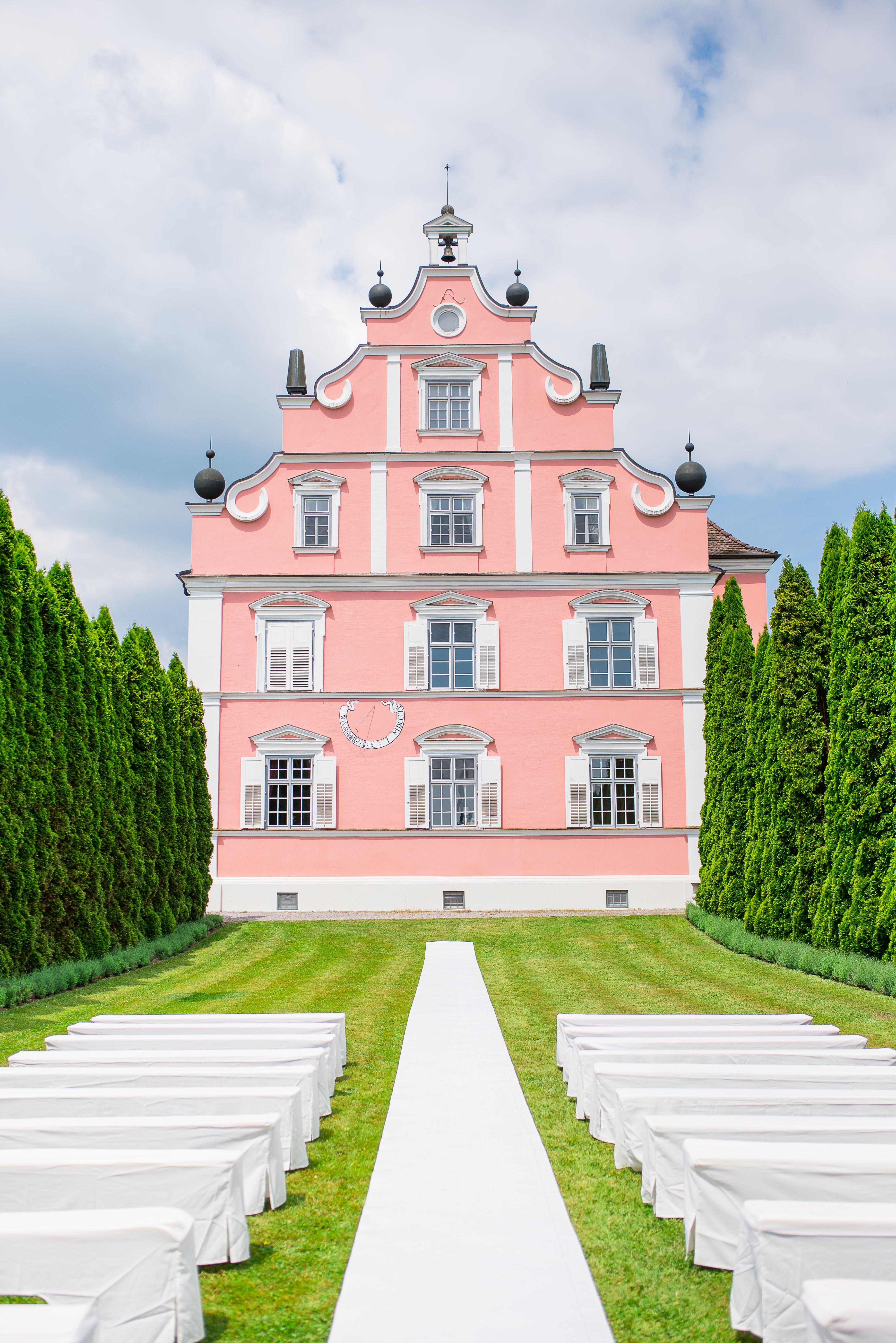 Apricot And Mint Green Spring Wedding Venue Schlossfreudental Schloss Freudental Hochzeit Im Fruhling In Apricot Un Burgen Und Schlosser Schloss Burg