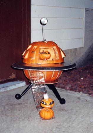 ufo pumpkin ufo spaceship pumpkin carving halloween pumpkin rh pinterest com