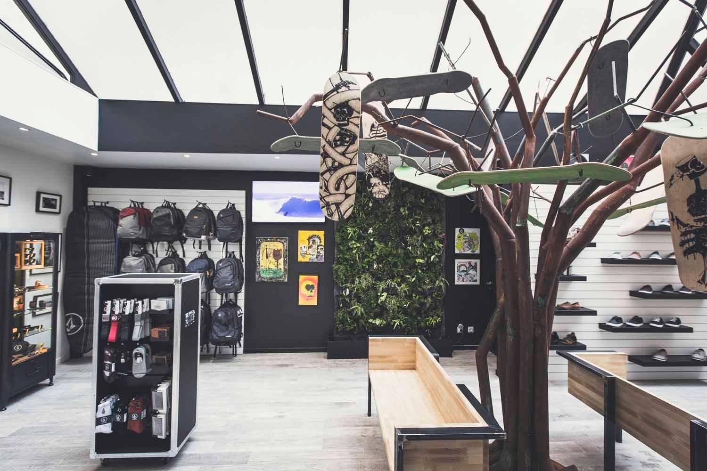 magasin volcom marseille tree design retail volcom marseille vestidor pinterest. Black Bedroom Furniture Sets. Home Design Ideas