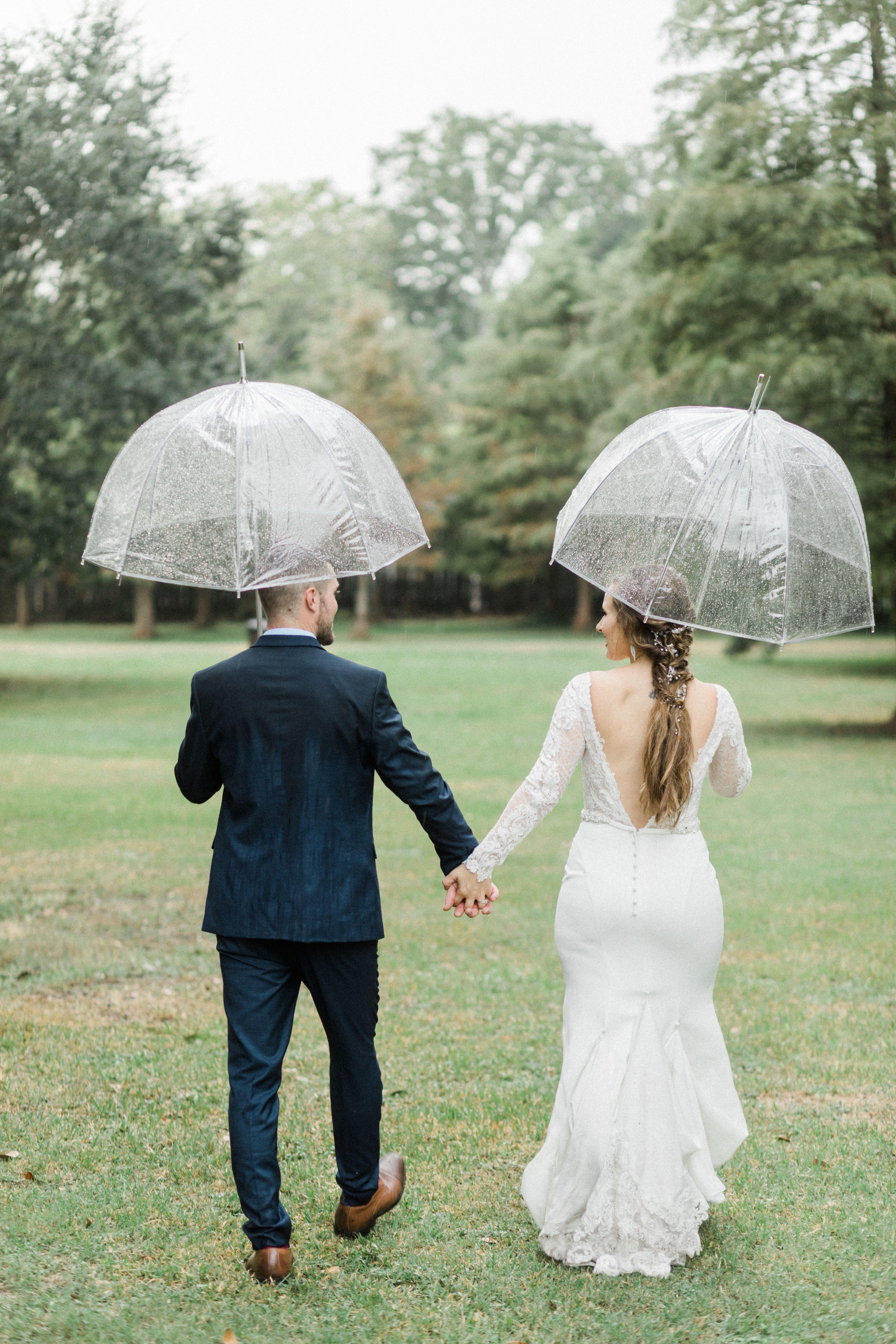 Cute Rainy Day Wedding Rain Wedding Rainy Wedding My Wedding Day