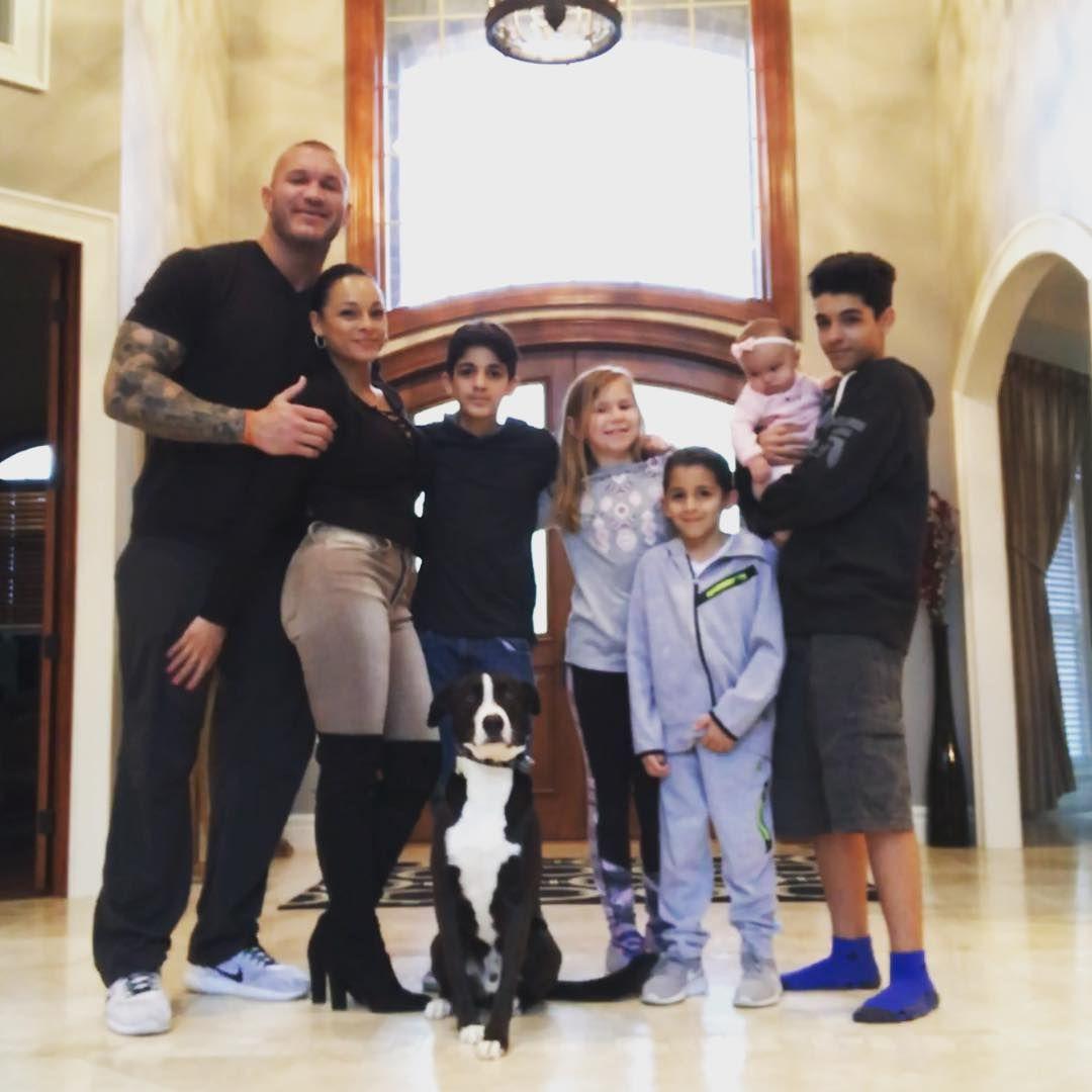 WWE Superstar Randy Orton, his wife Kim, his daughters ...