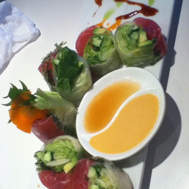 Tuna spring roll @ kami sushi. Okinawa, Japan.
