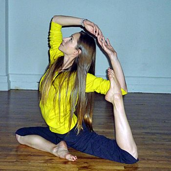 tara stiles shows us the best yoga pose for stress relief