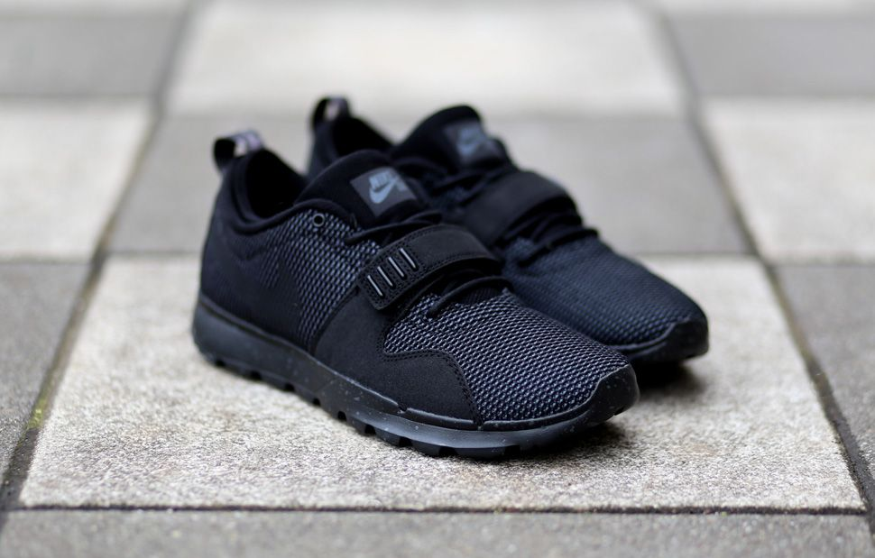nike sb trainerendor shoes black black dark grey