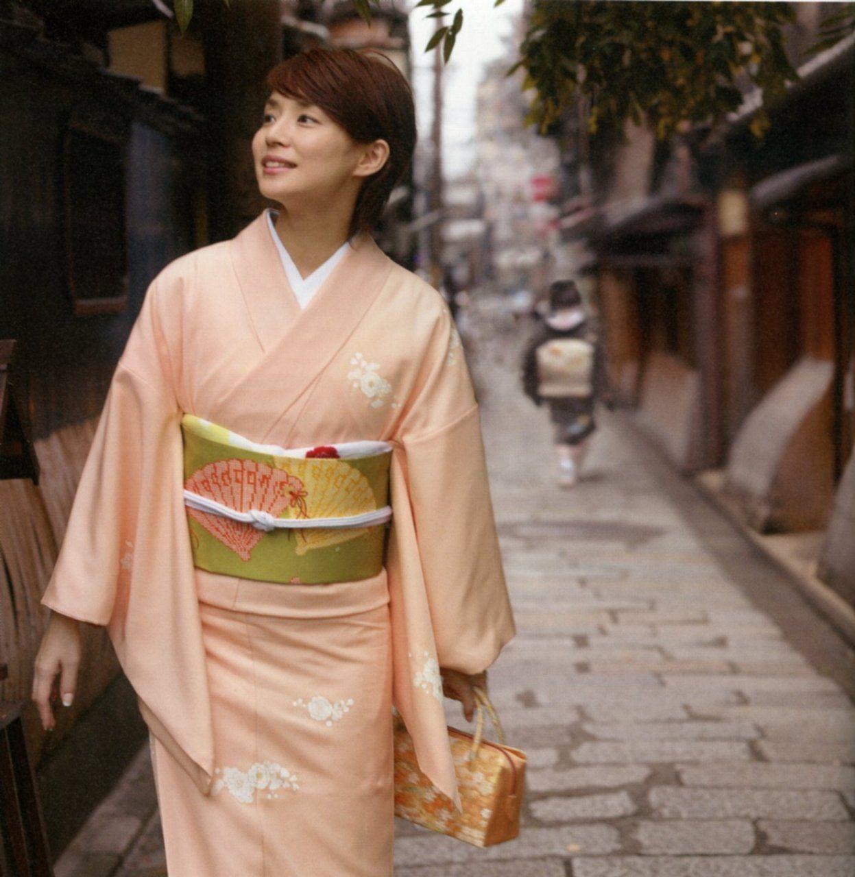 画像200枚 昔の水着姿から現在まで 石田ゆり子のいつまでも美人な高