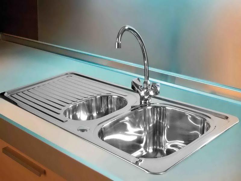 Elegant Kitchen Sink Instalation