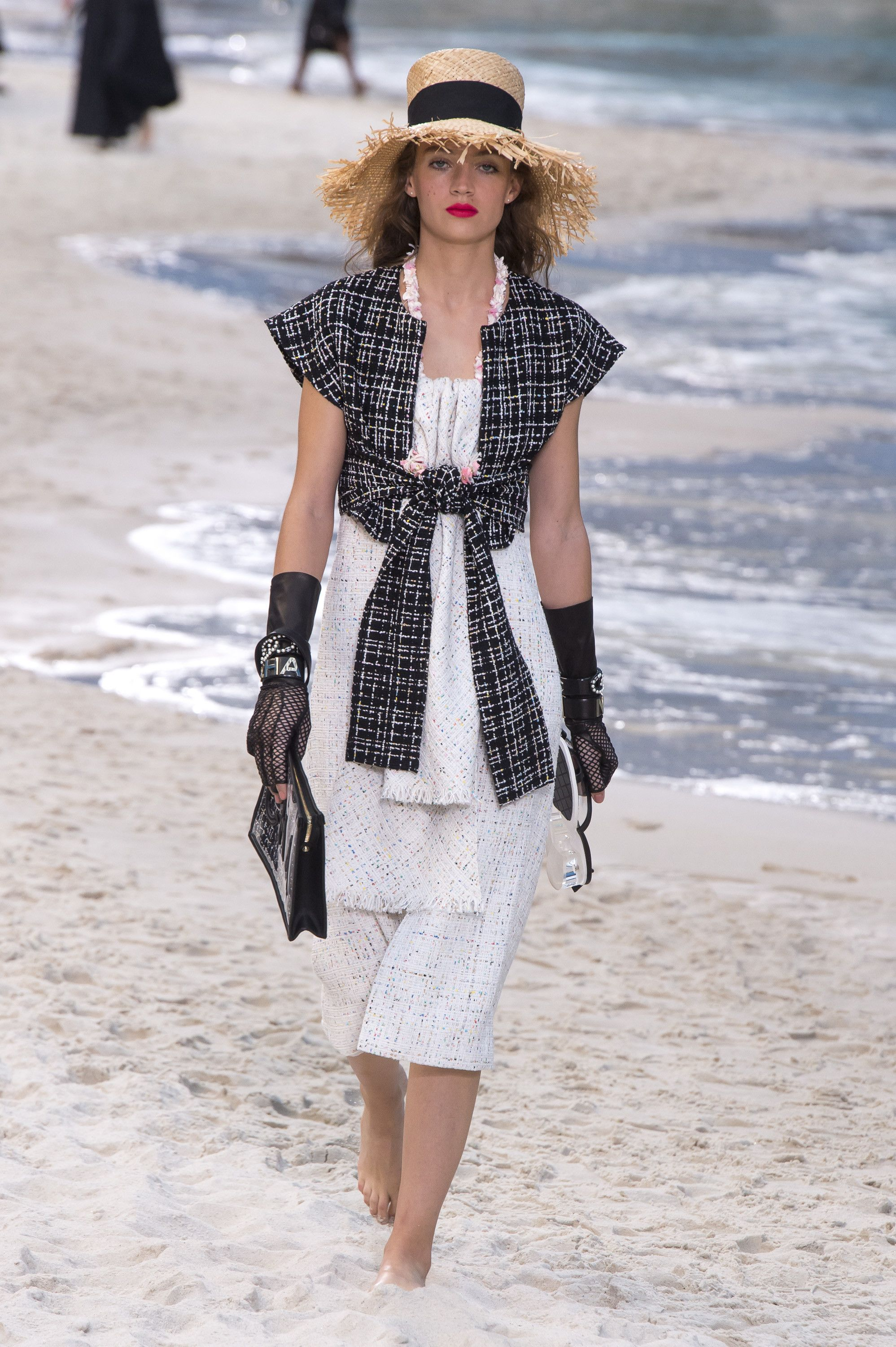 7614862e68bd Chanel   VOGUE 2019   Pinterest   Chanel spring, Chanel и Fashion
