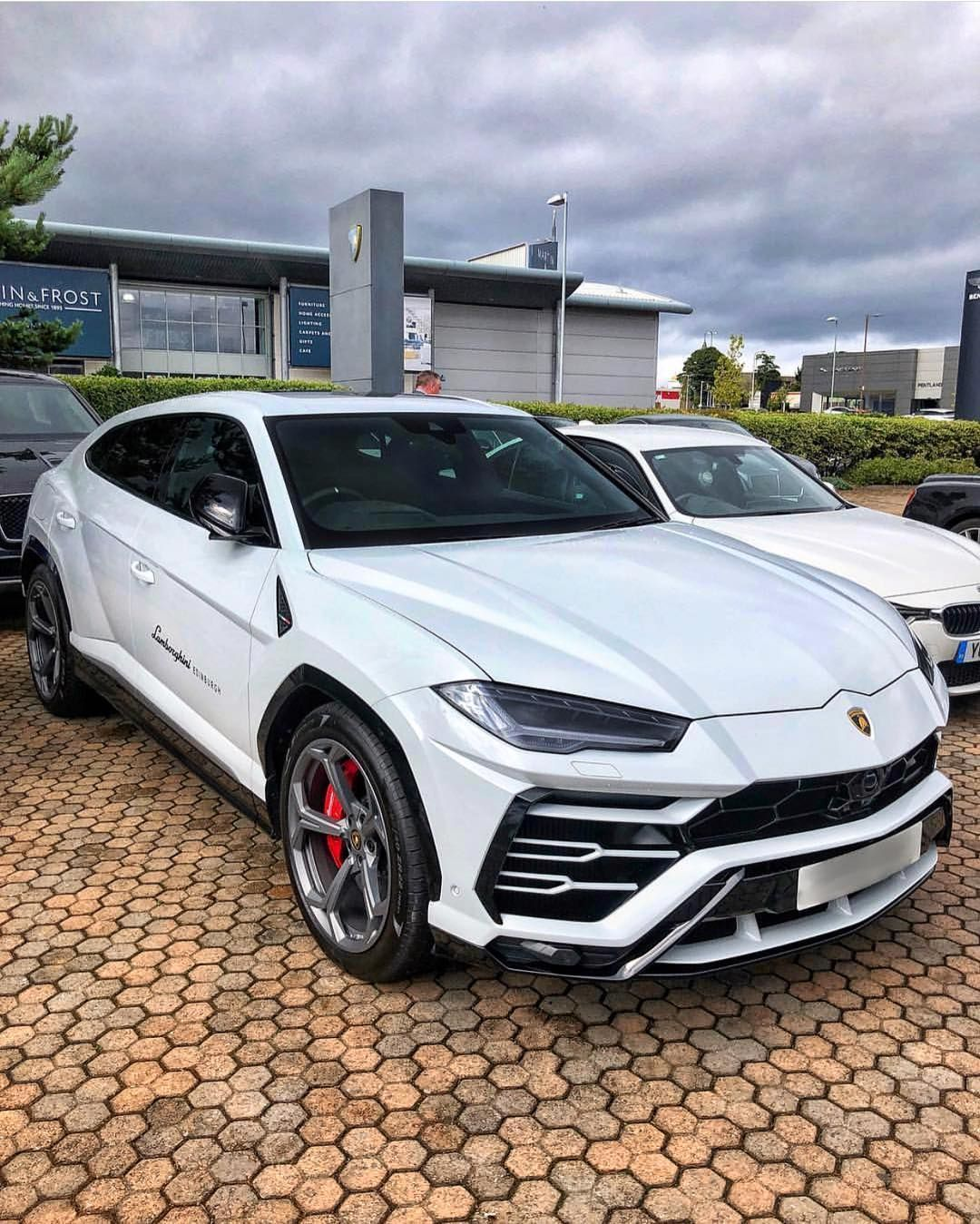 Luxury And Fastest Cars In The World This Is Result Of Extraordinary Human Work That Have A Sporty Design At Very Fast Sds