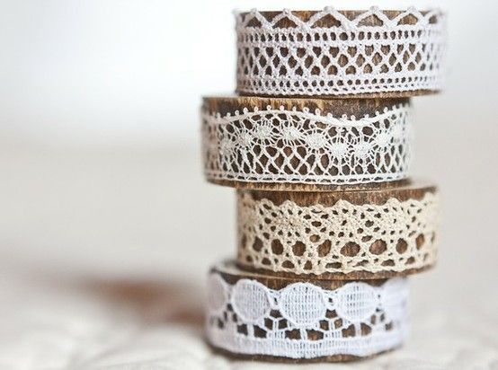Lace napkin holders