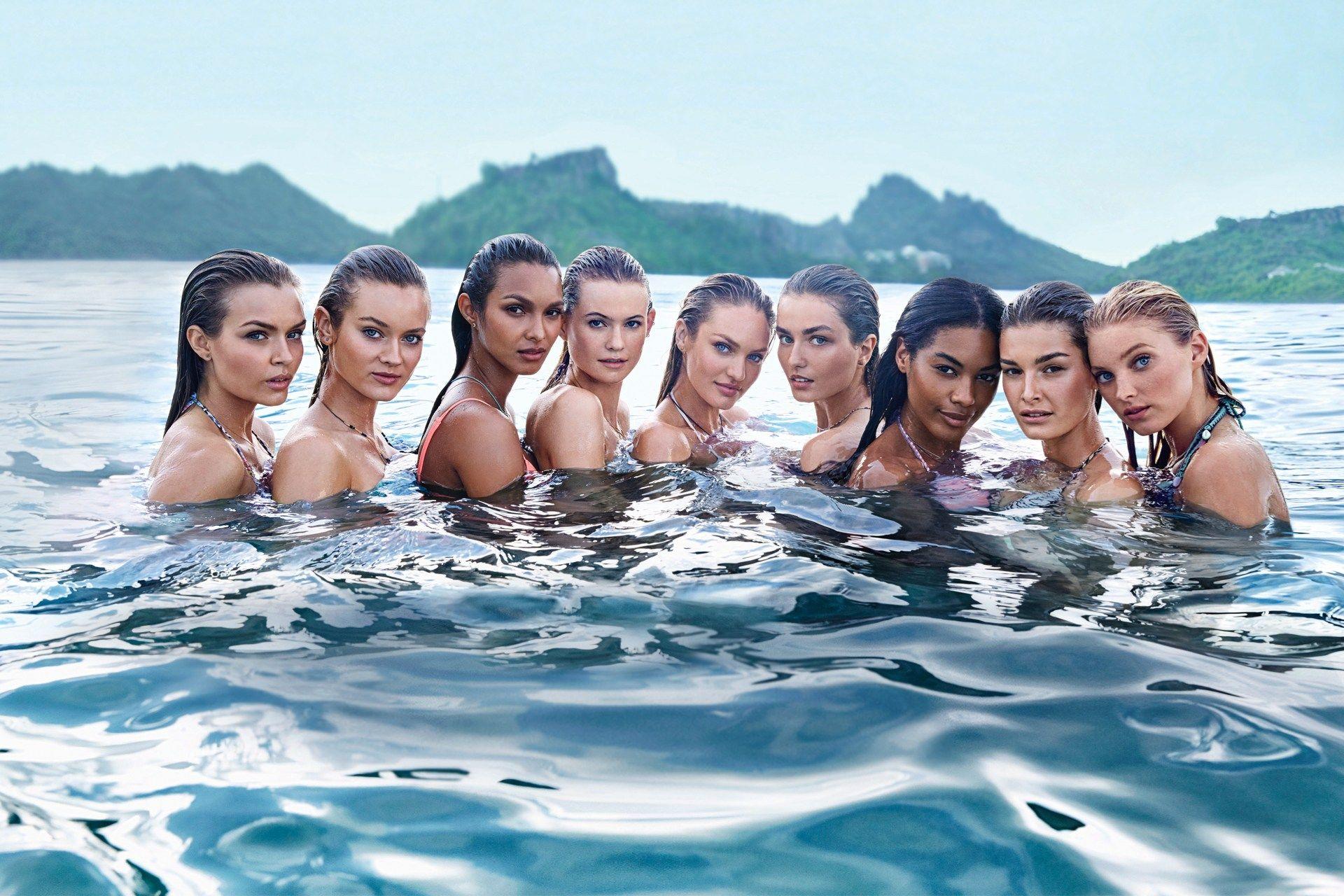 The Victoria's Secret Angels and models