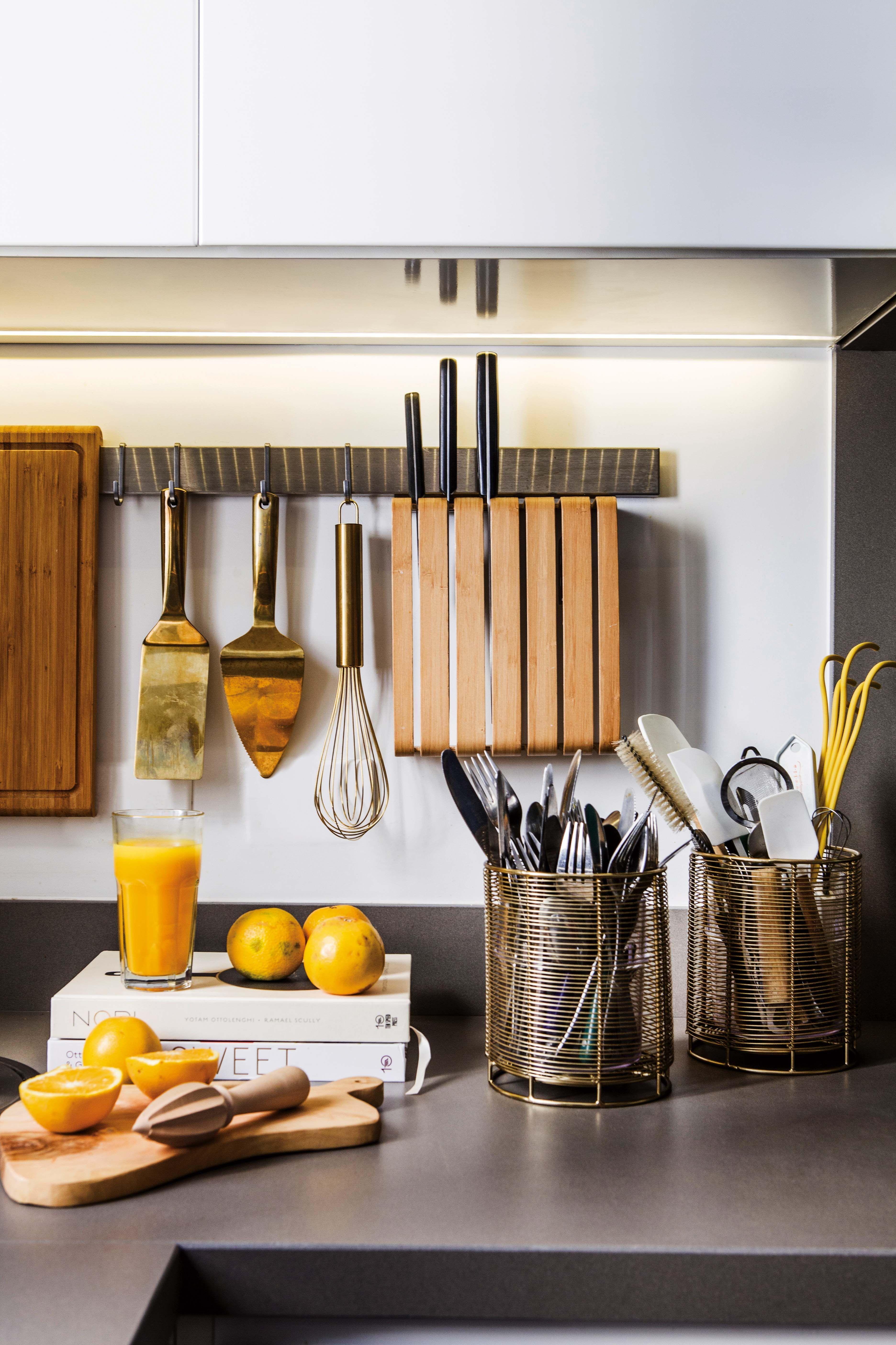 Una Cocina Remodelada Para Ser Un Calido Y Funcional Punto De