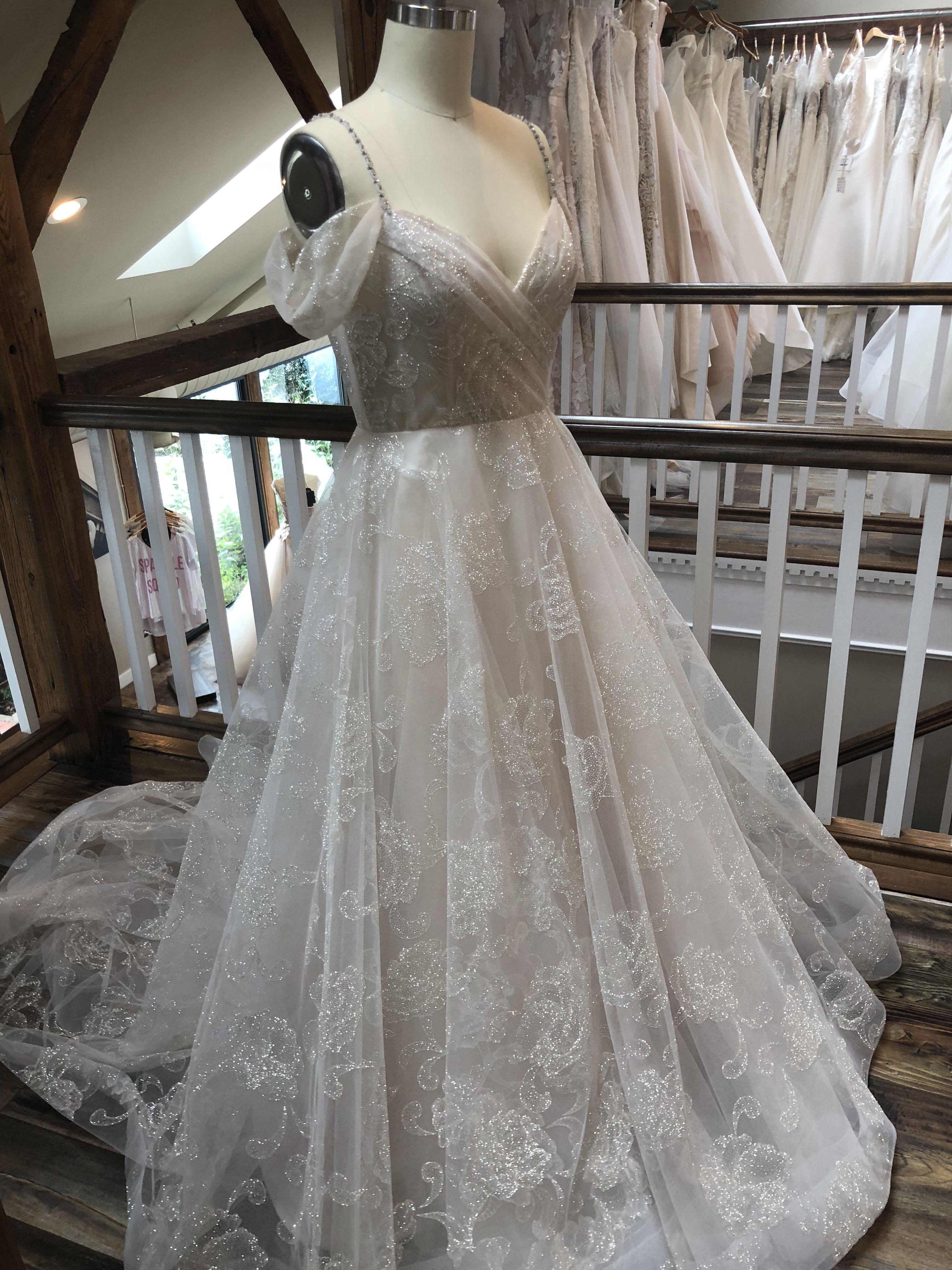 b037b39078b60 Emma gown by Lazaro Bridal // #jennifersbridal #lazaro | Lazaro in ...