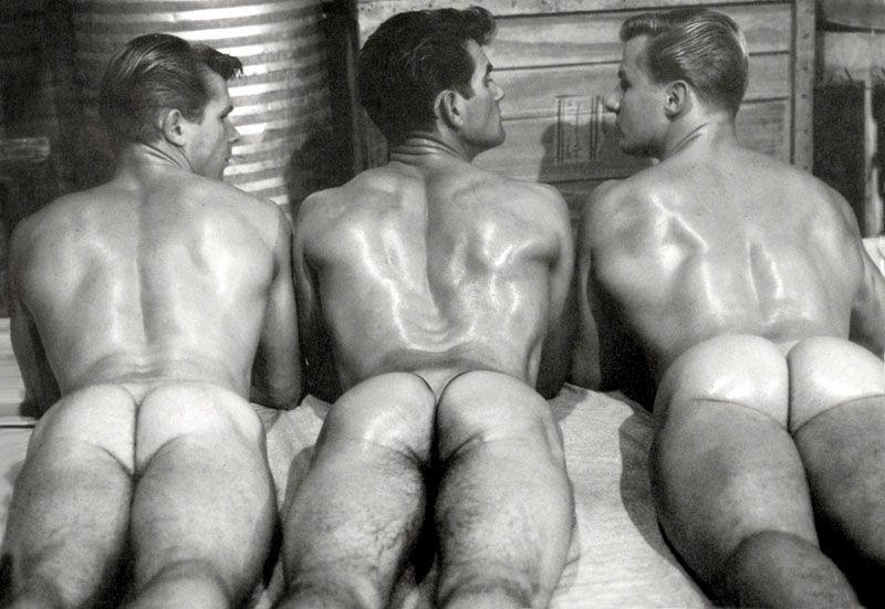 ретро фото голых мужчин между