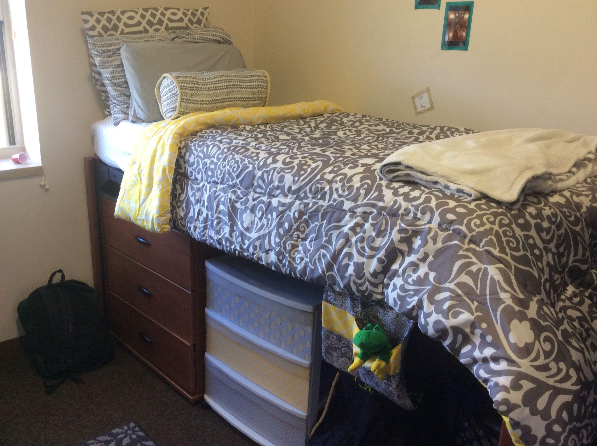 Shelby S Niu New Hall Dorm Room Pretty Dorm Room Hacks Dorm Room Tiny Bedroom