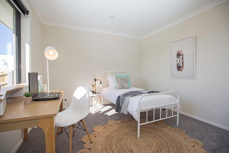Contemporary kids or teenager bedroom white metal single - Floor lamps for teenage bedrooms ...