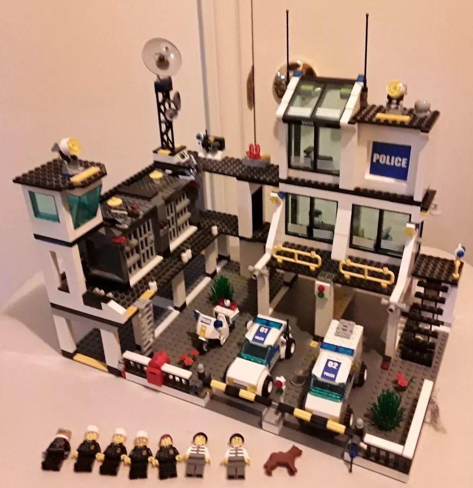 Lego City Police Headquarters 7744 W Box Instructions Euc