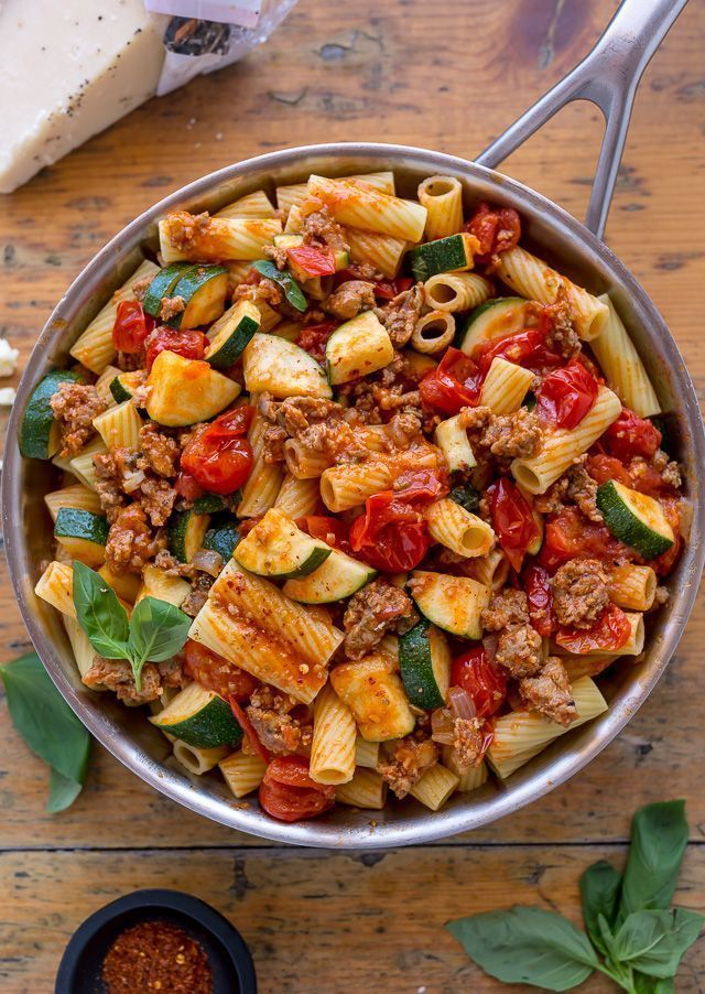 Photo of Rigatoni with sausage, tomatoes and zucchini – #rigatoni #tomatoes #wurst #zucchini -…