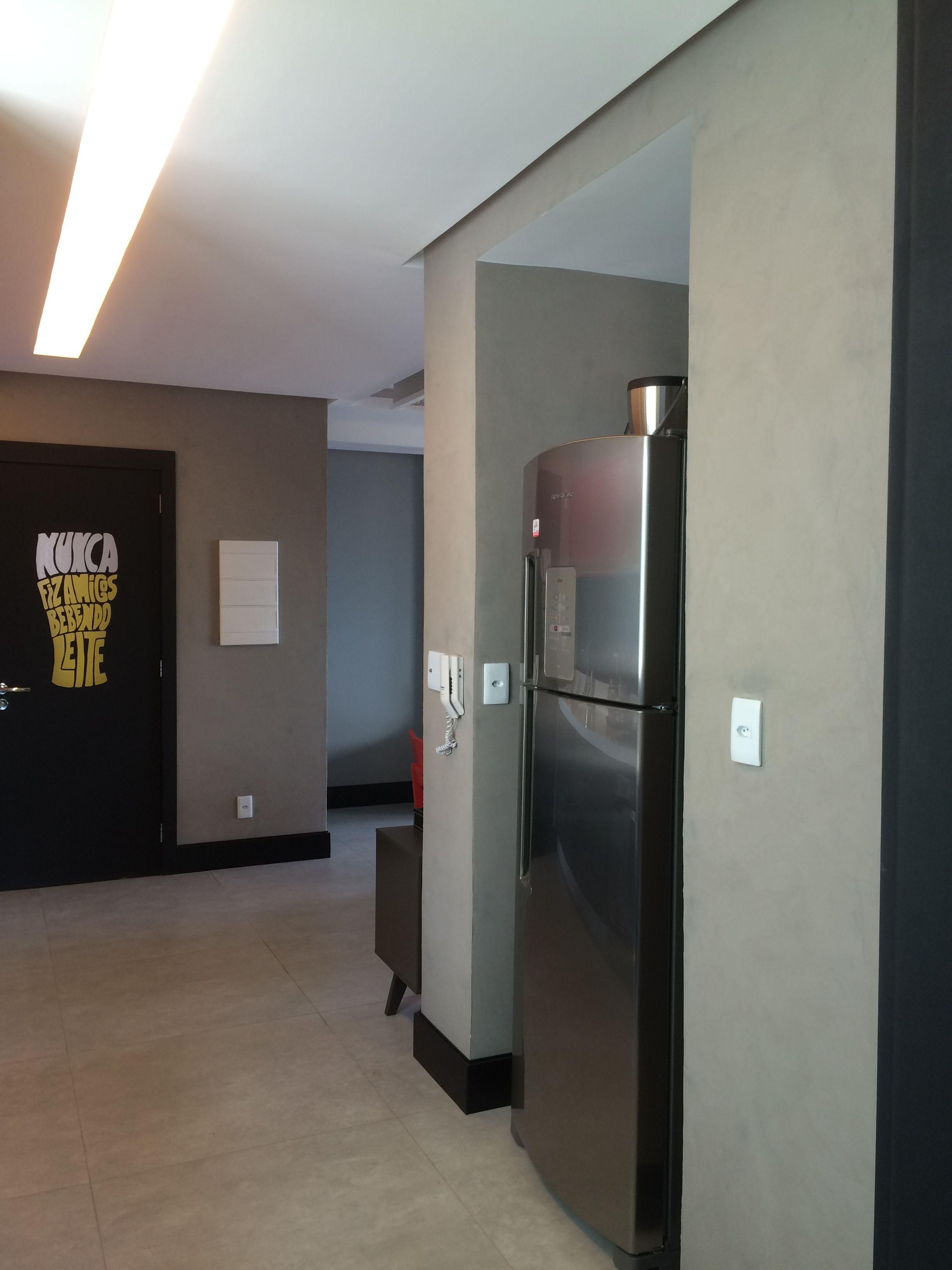Cozinha industrial com porcelanato estilo concreto, textura concreto ...