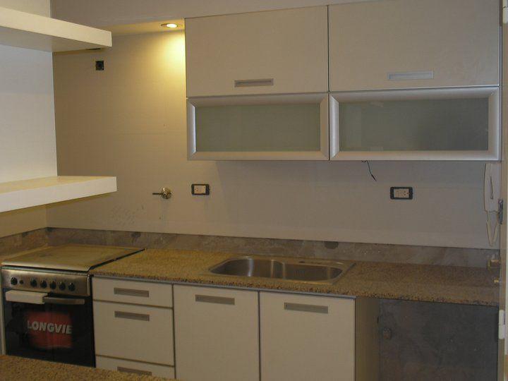 Muebles en melamina con cantos en aluminio, cortando con 2 puertas ...
