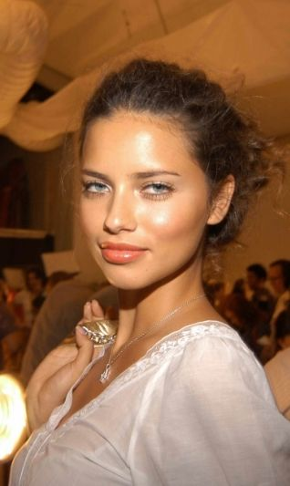 Kigelia Night & Day Moisturizer Adriana lima, Lima and Luminizer
