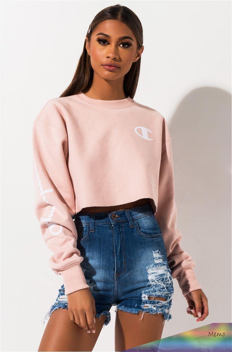 Apr 7 2020 Champion Reverse Weave Cropped Script Sweatshirt Champion Clothing Crop Top Outfits Crop Top Sweater [ 1209 x 800 Pixel ]