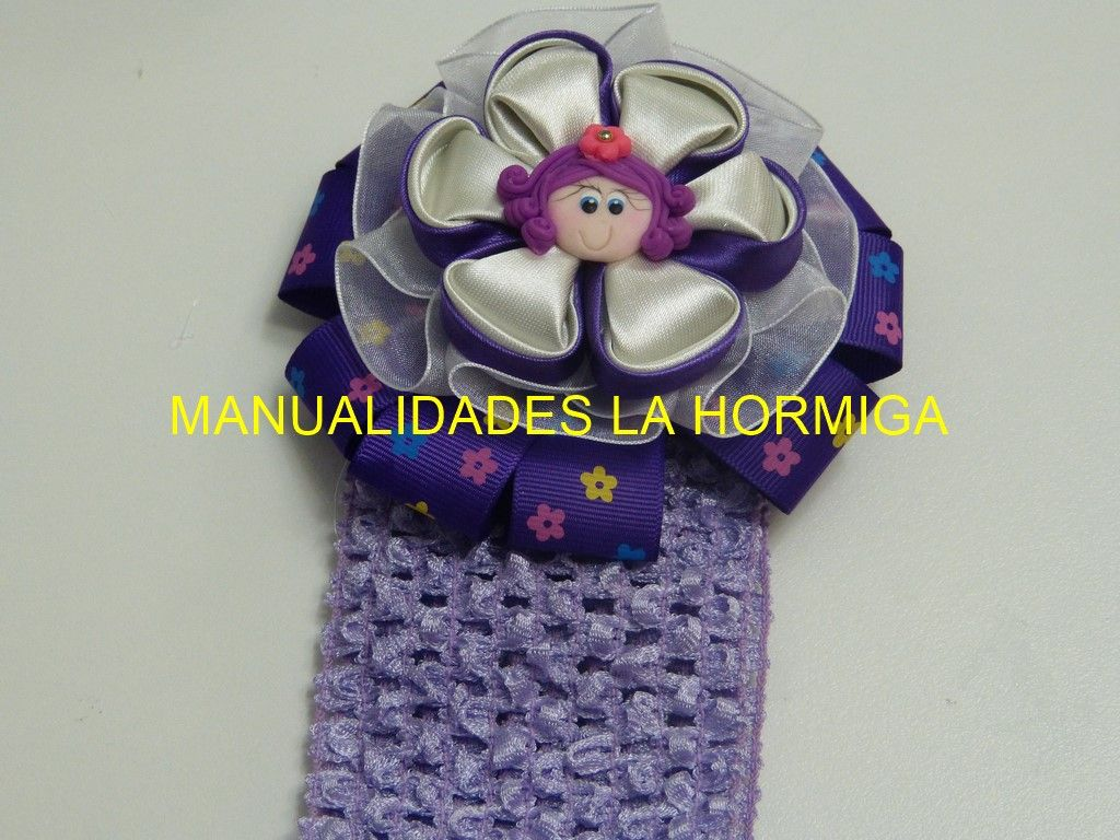 Flores Kanzashi para decorar Balacas https://www.youtube.com/watch?v=RpBDHNBXcXU