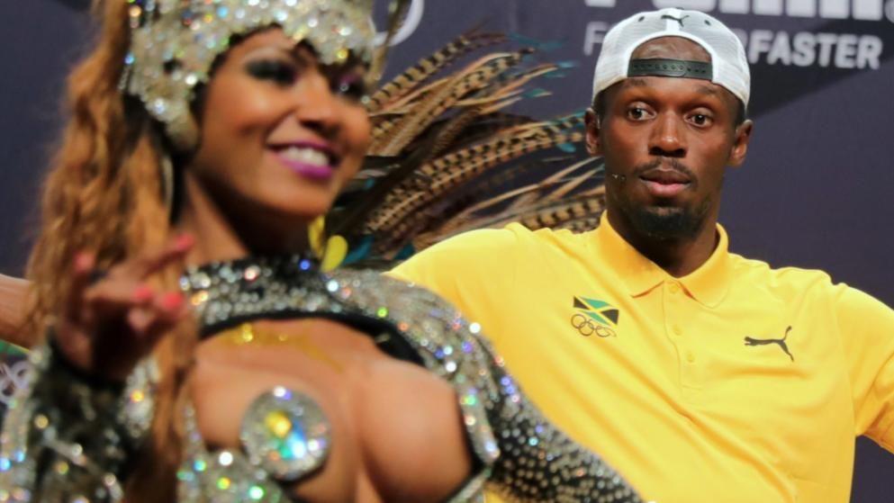 Tanze Samba mit mir! Sprintstar Usain Bolt hatte bei einem Sponsoren-Termin in Rio sichtlich Spaß