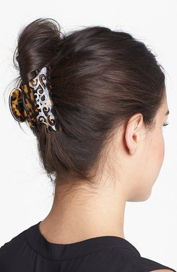 Fashionable Vertical Updo With Claw Clip Clip Hairstyles Banana Clip Hairstyles Hairstyles For Thin Hair