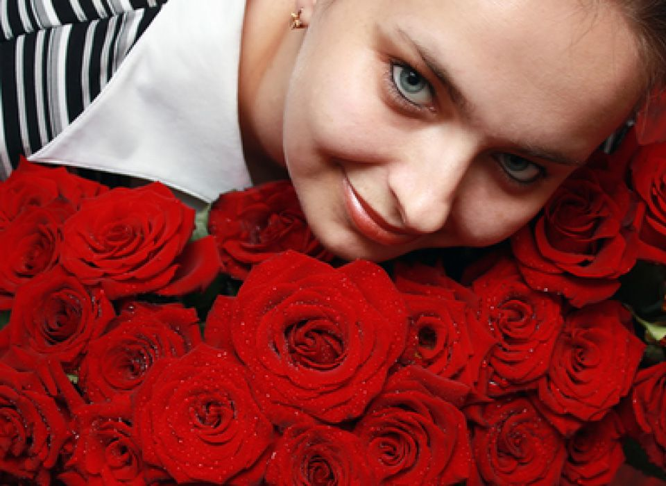 We Provide Flower Delivery in KIEV, UKRAINE . We are the best Ukraine Florists. Provide Flower Delivery in Ukraine at the most reasonable prices. Now Send flowers to Ukraine with us and we will surely make it special for you.