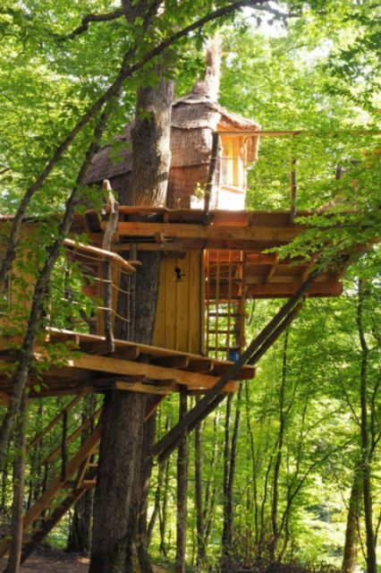 joli nid aux cabanes du bois clair ranchot jura france juratourisme cabane pinterest. Black Bedroom Furniture Sets. Home Design Ideas