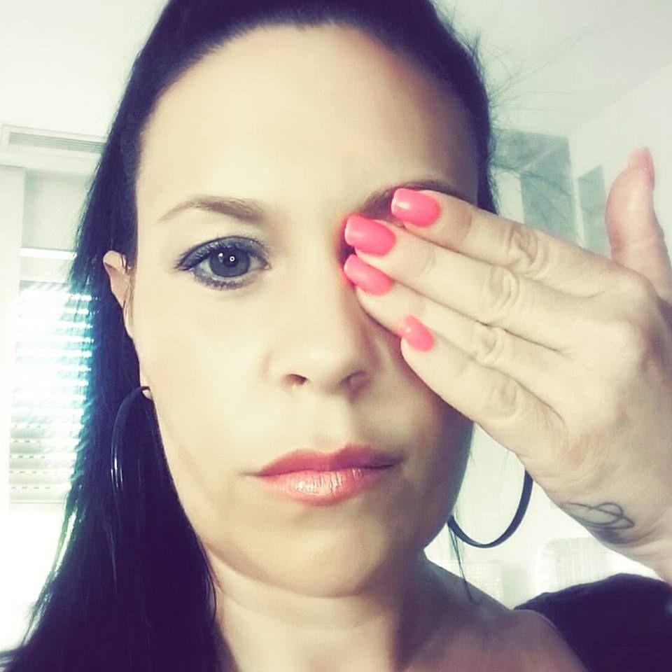#eyeseeyou We against cyberbullying! Jeden Tag werden Menschen Opfer von CyberMobbing.  Wir alle kennen wahrscheinlich jemanden oder Du selbst bist ein Opfer.  Es ist Zeit, dieses Problem in das Bewusstsein der Menschen zu rufen.  #eyeseeyou Lasst die Menschen wissen, daß sie sich anvertrauen müssen.  DU BIST NICHT ALLEIN! #empowerupliftvalidate #againstcyberbullies #eyeseeyou #mermaidlovelashes