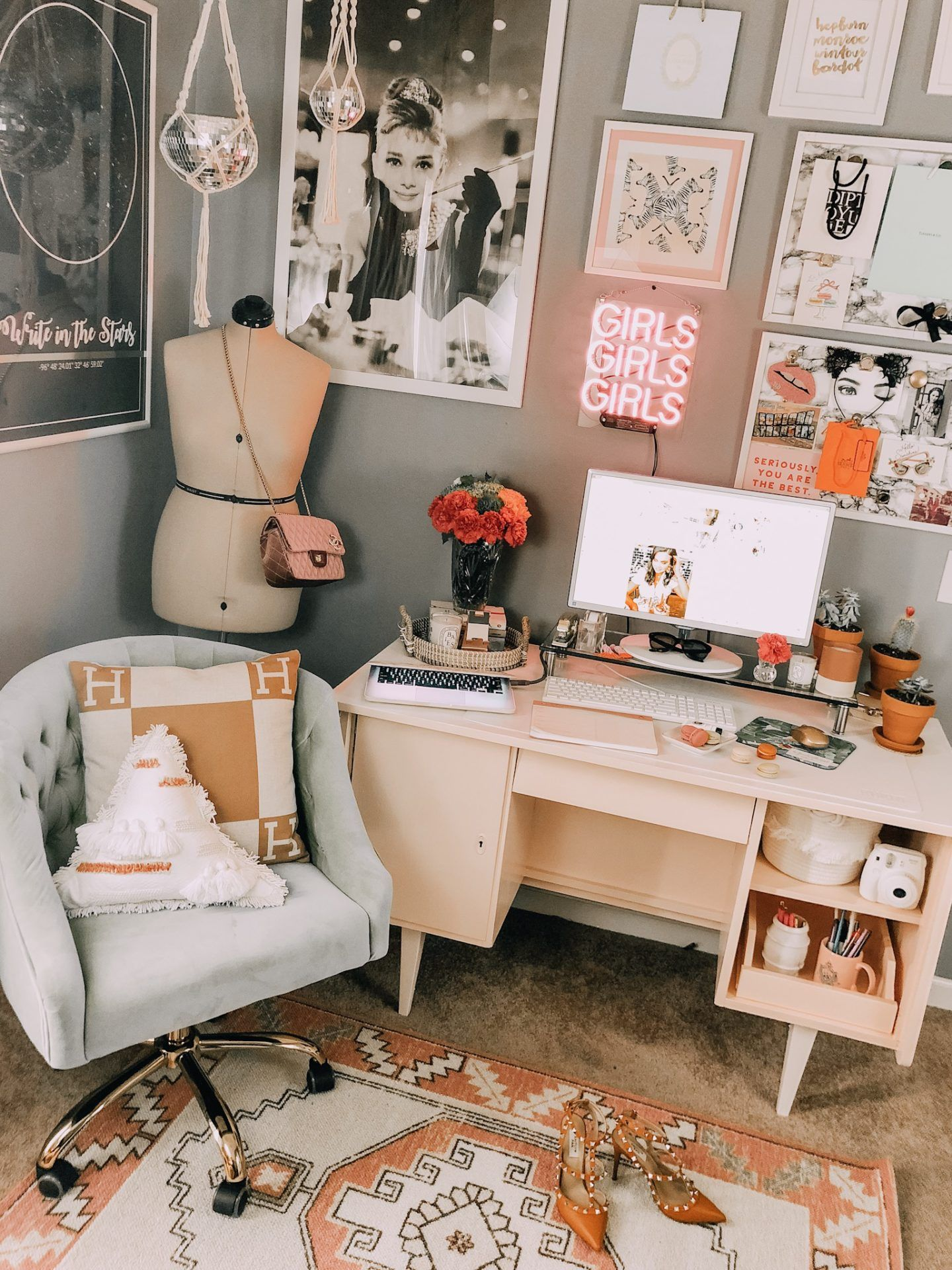 Tiny Office Makeover Apartment Bedroom Decor Apartment