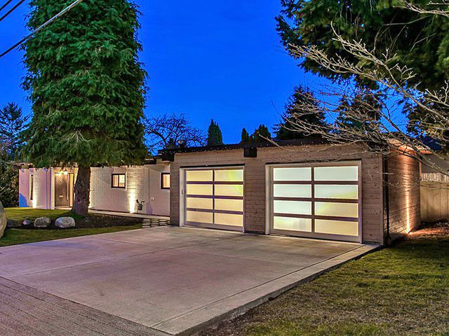 Image Result For Ranch House To Mid Century Modern House Facade House Modern Garage Doors Modern Ranch