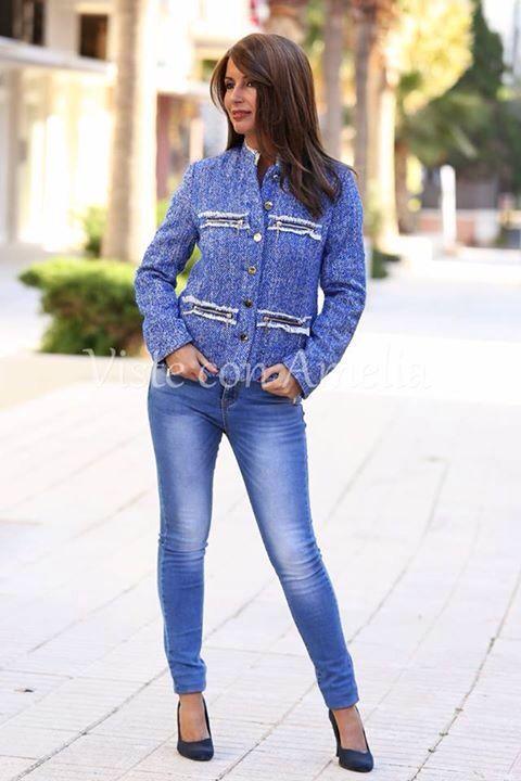 """Una #chaqueta, dos estilos diferentes! Básicos, femeninos, que no pasan de moda. #Chaqueta """"Corina"""", tallas S, M, L y XL. Antes 59,99€, AHORA 44,99€. Últimas unidades. http://visteconamelia.com/lang/402-chaqueta-tweed-corina.html #modamujer #modaotoño #visteconamelia"""