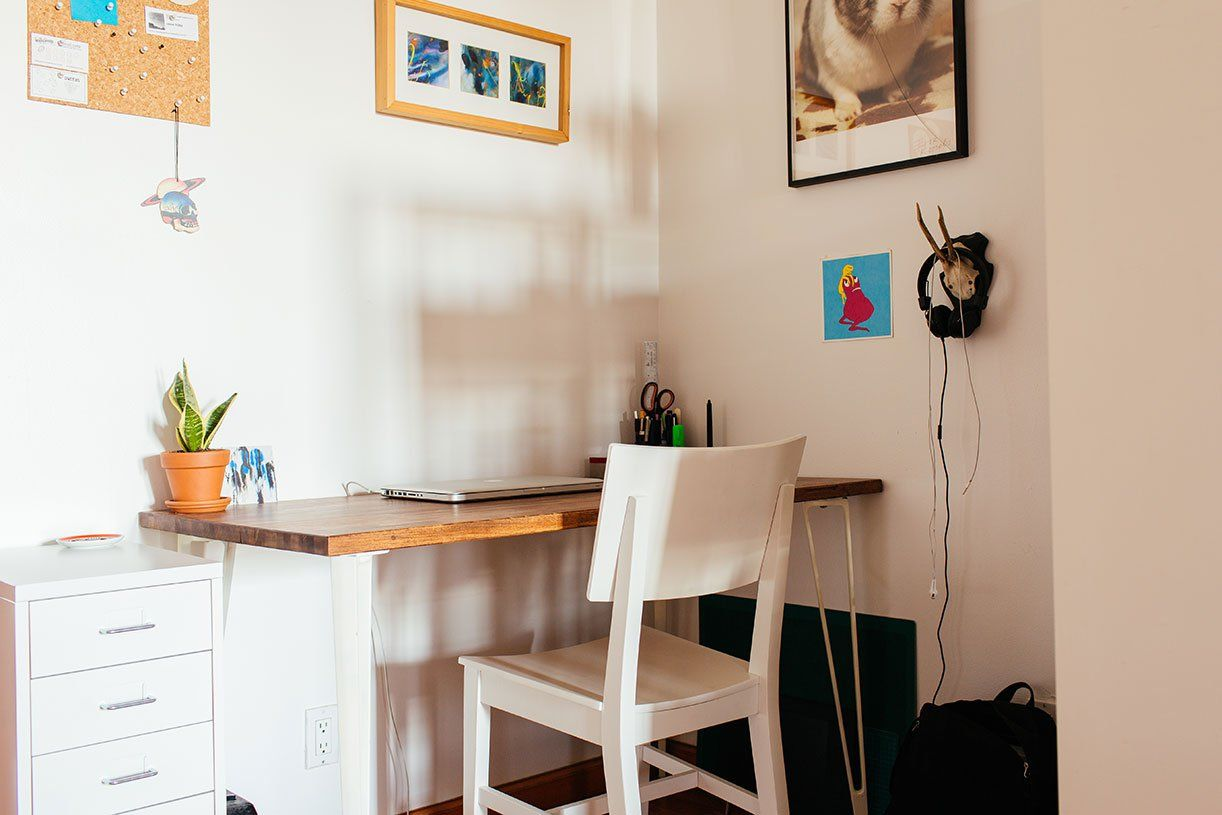 My 1 000sqft Tour A Newly Transplanted Couple S Bushwick Apartment Filled With Craigslist Finds 6sqft Hipster Interior Apartment Apartment Design