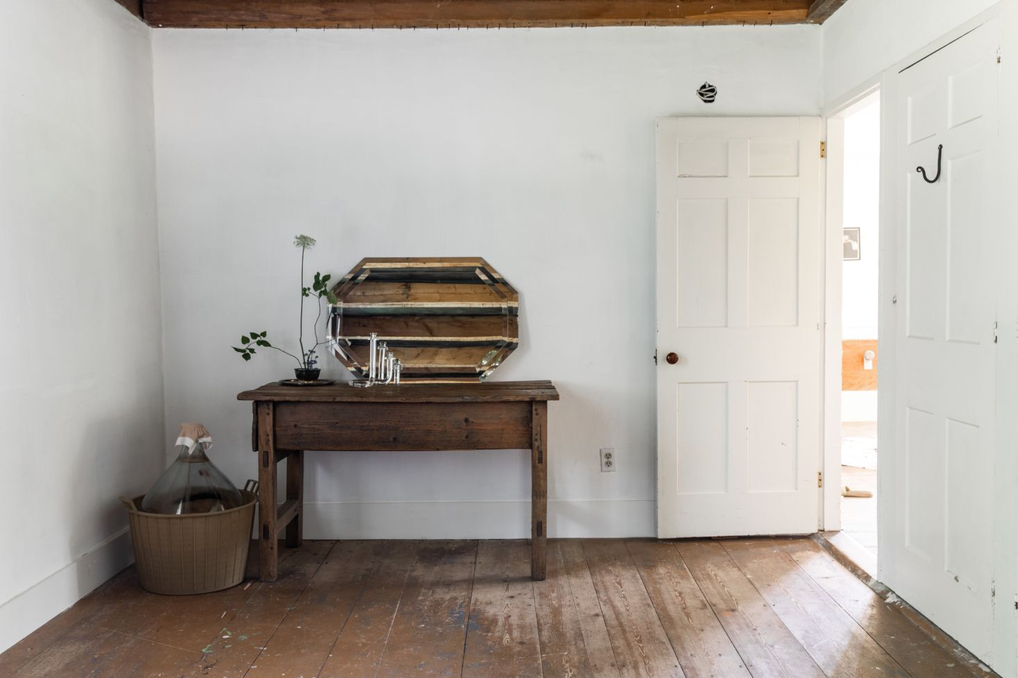 The House That Craigslist Built A Bare Bones Farmhouse In Midcoast Maine House Remodelista Home