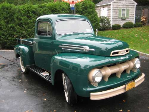 1952 Ford F1 Pickup Truck With Images Classic Trucks Classic