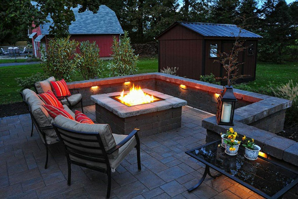 How to build a square fire pit with pavers square fire for Rectangular stone fire pit