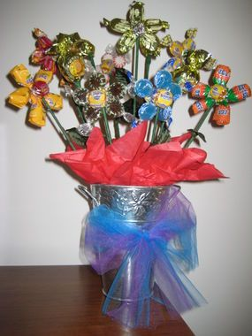 Flower Power Candy Flowers Basketbouquet Pinterest